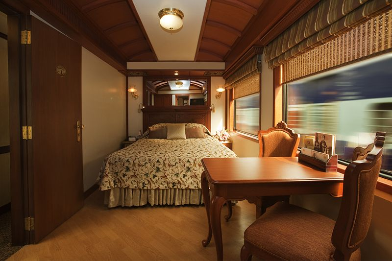 Maharajas Express Luxury Train India - cabina Suite