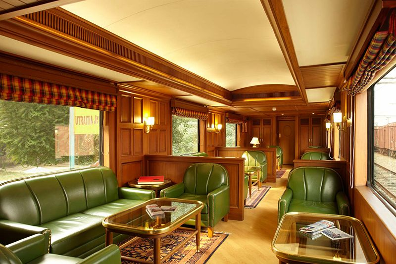 Maharajas Express Luxury Train India - Lounge Bar