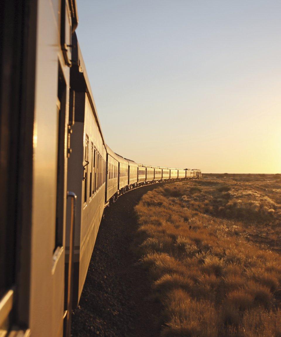african-explorer-lato-treno